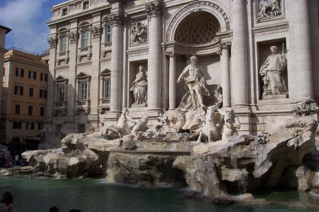Trevi fountain in Roma